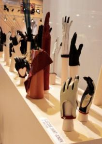 Glove_exhibition