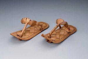 peaked_pharoah_sandals