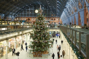 Top tips for staging your greatest Christmas retail show