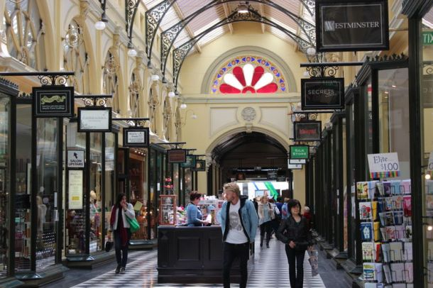 melbourne-lanes-and-arcades-walking-tour-photo_1742032-770tall